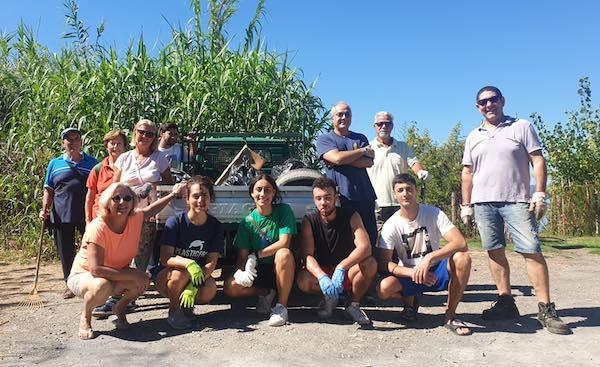 Nasce un gruppo di volontari per la pulizia del lago. Come farne parte