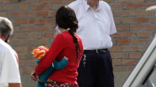 Raid di portafogli e borse a Orvieto scalo, prese due ladre che utilizzavano anche dei bambini per avvicinare le vittime