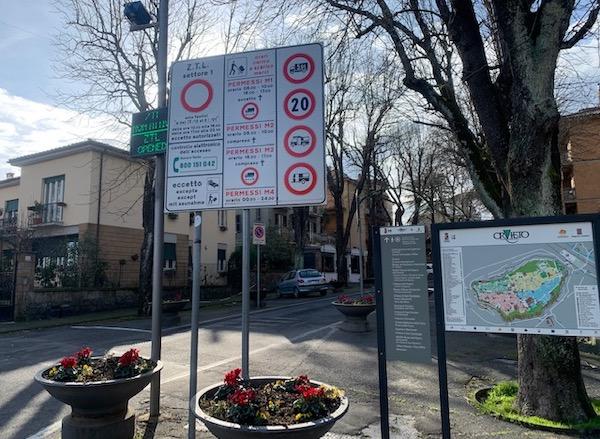 Ztl, prorogati fino al 30 aprile gli orari di transito da Piazza Cahen al Teatro Mancinelli
